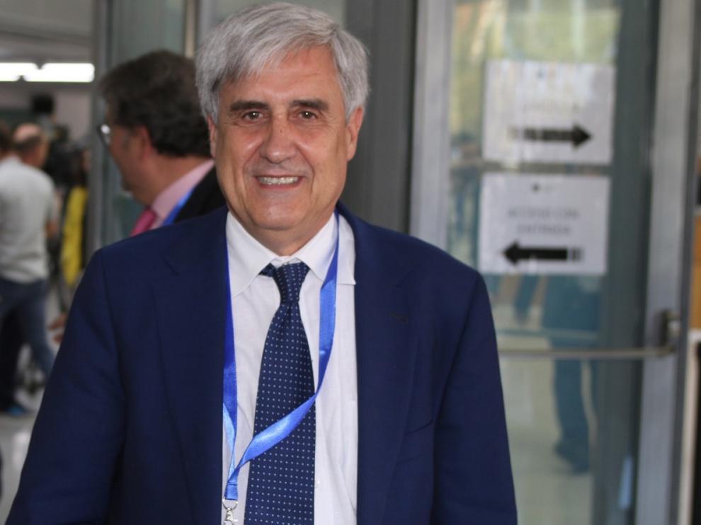 """Juan José Badiola: """"A partir de marzo bajará la gravedad de los casos, los ingresos y los fallecimientos"""""""