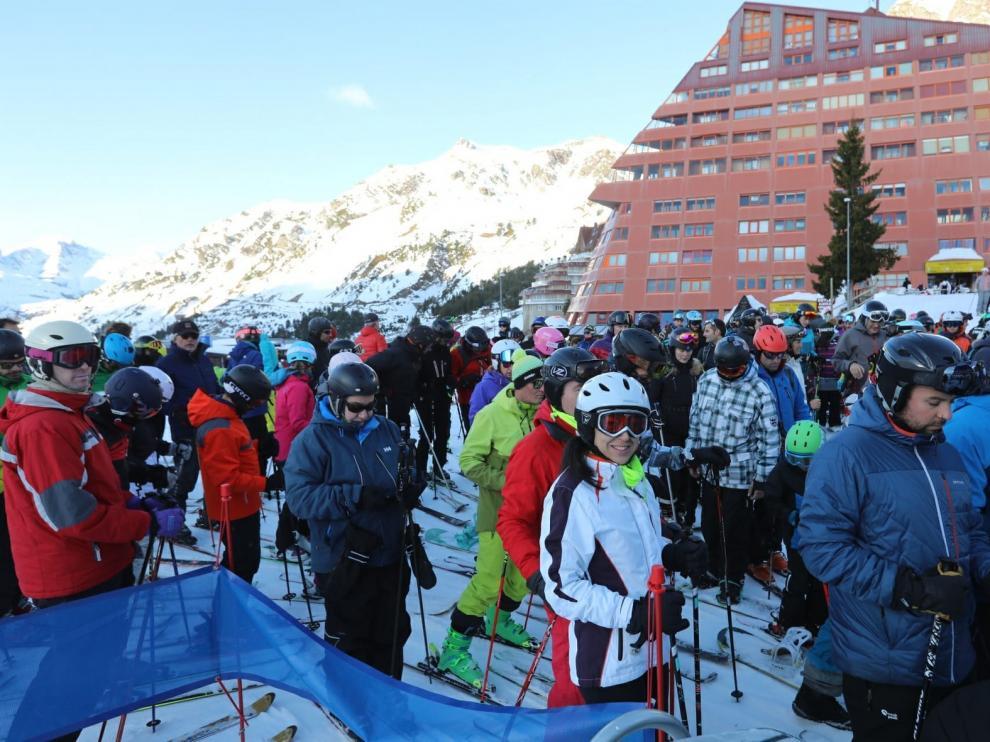 PSOE y PP piden ayudas para el turismo de la nieve del Pirineo