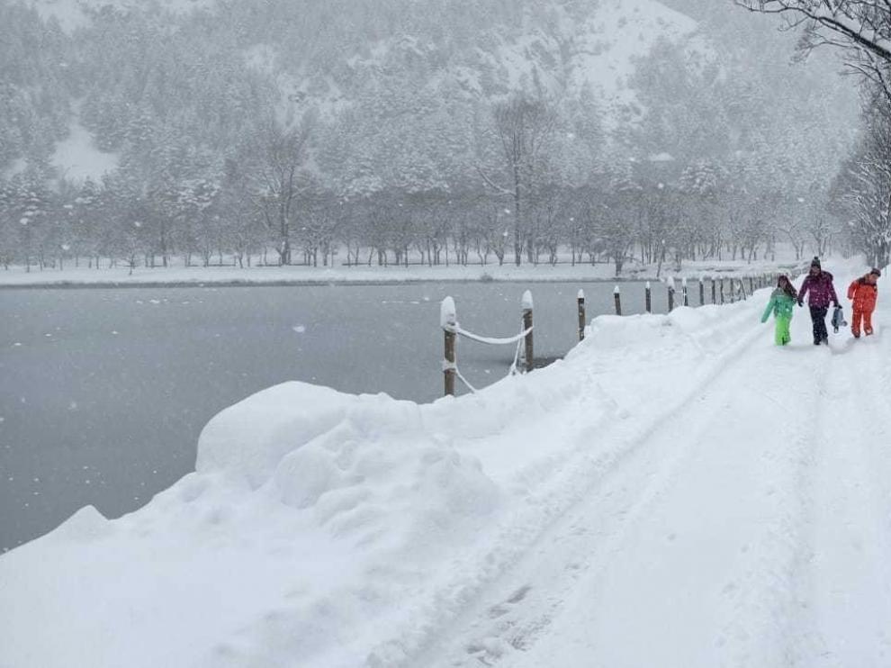 El alcalde de Sallent pide a la DPH que lidere el plan de rescate de la nieve