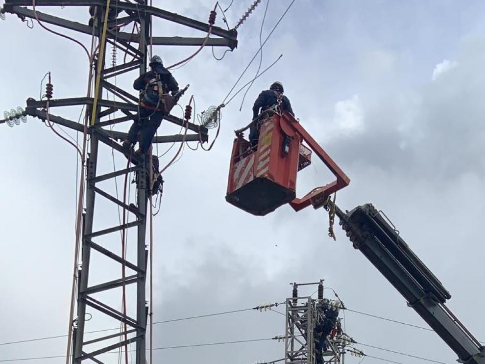 Endesa invierte 90.000 euros en la mejora de la red eléctrica de La Litera