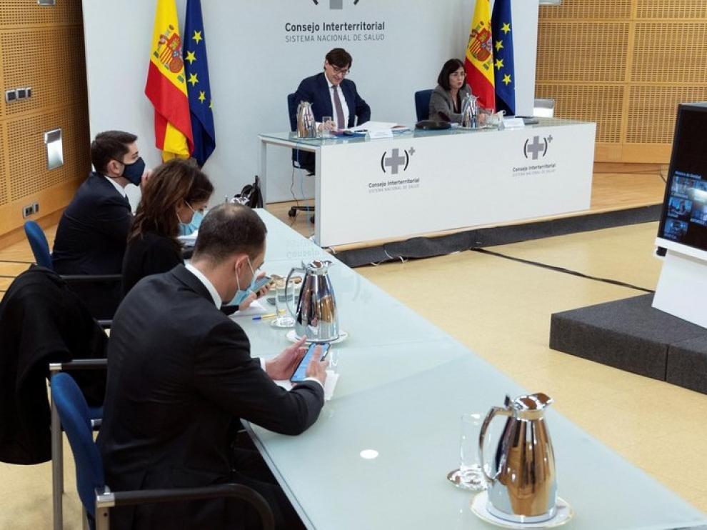 España, a la espera de recibir 370.000 dosis en la primera remesa de vacunas