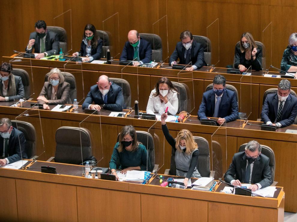 Aragón aprueba su mayor presupuesto con el único rechazo de PP y Vox