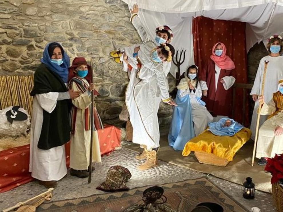 Benasque monta un belén viviente en el Palacio de los Condes de Ribagorza