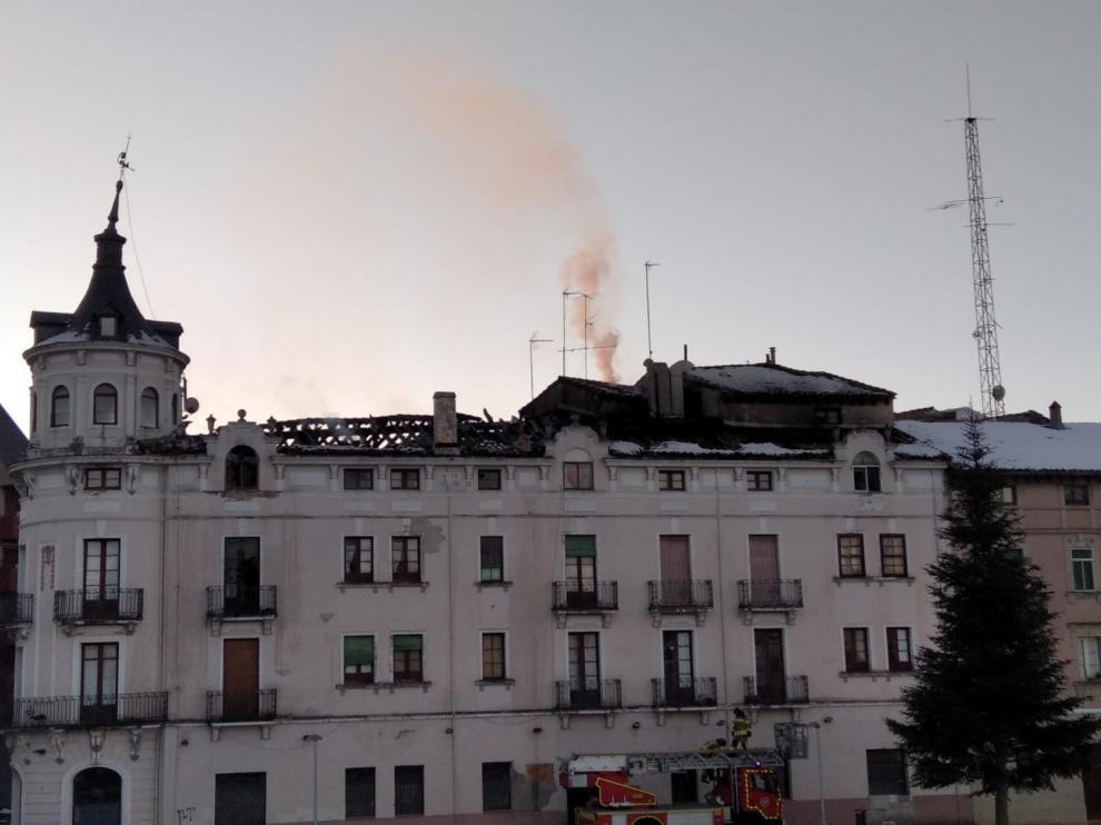Extinguido el incendio de 'Casa La Rubia' de Jaca