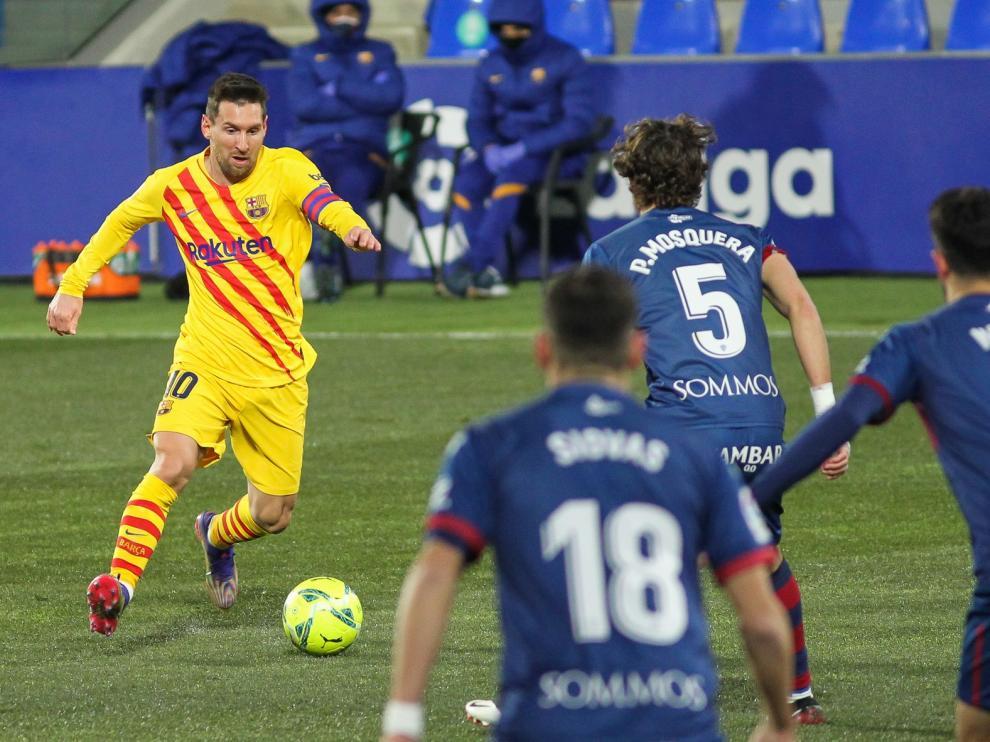 Aquí puedes ver las mejores fotografías del Huesca-Barça y un resumen en imágenes