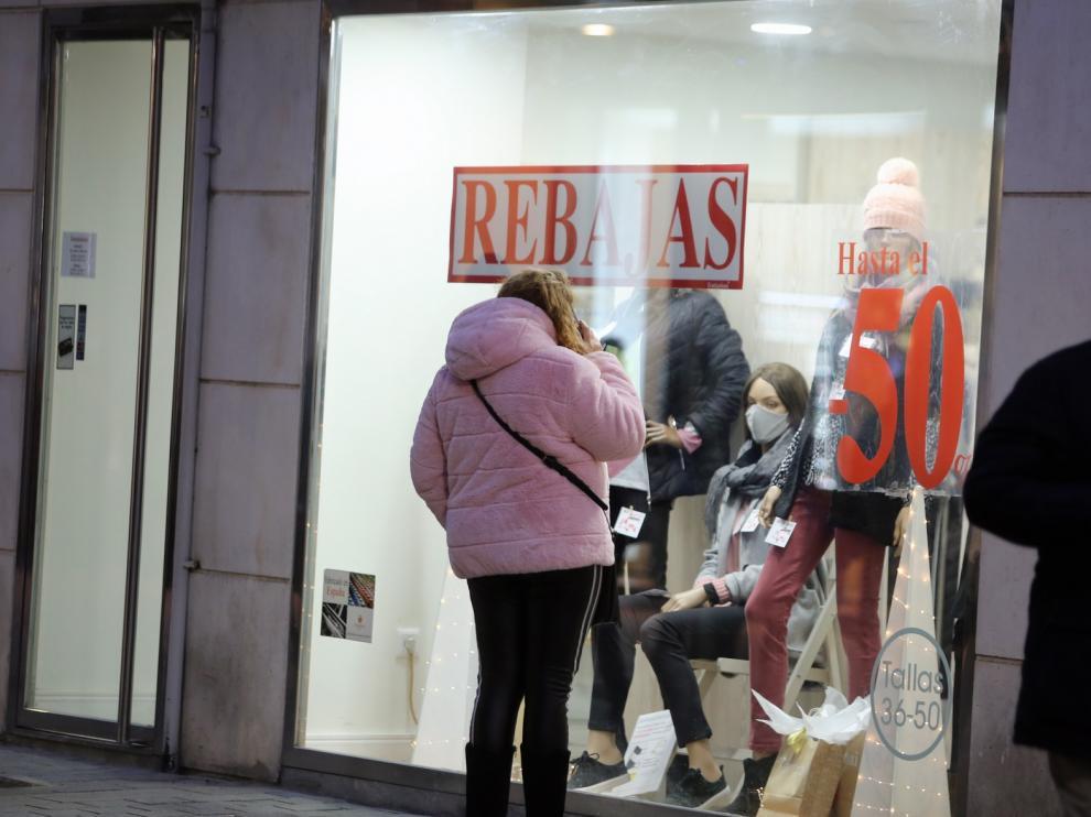 Las rebajas animan las últimas compras de los Reyes Magos en Huesca