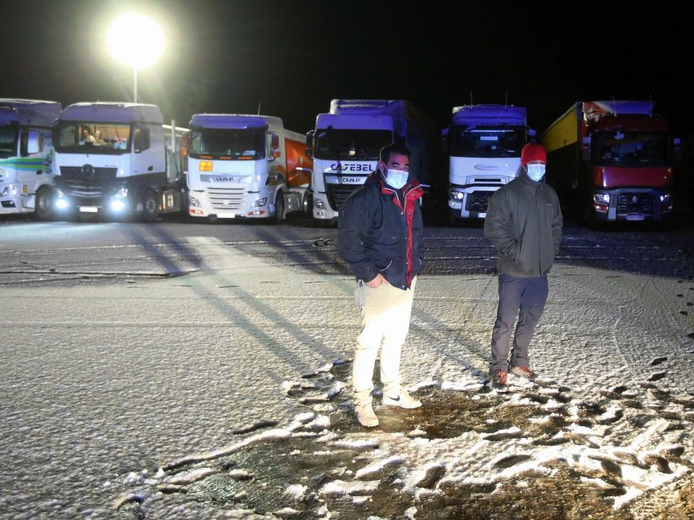 Remiten las nevadas por el puerto de Monrepós y los camiones pueden circular