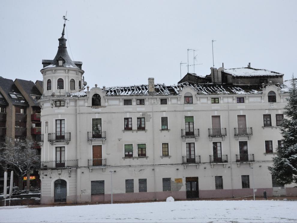 Casa La Rubia de Jaca no sufre daños en su estructura tras el espectacular incendio