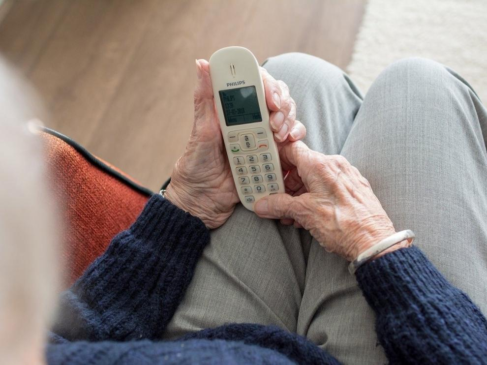 El servicio de atención a mayores de Movistar recibe 11.000 llamadas en la provincia de Huesca