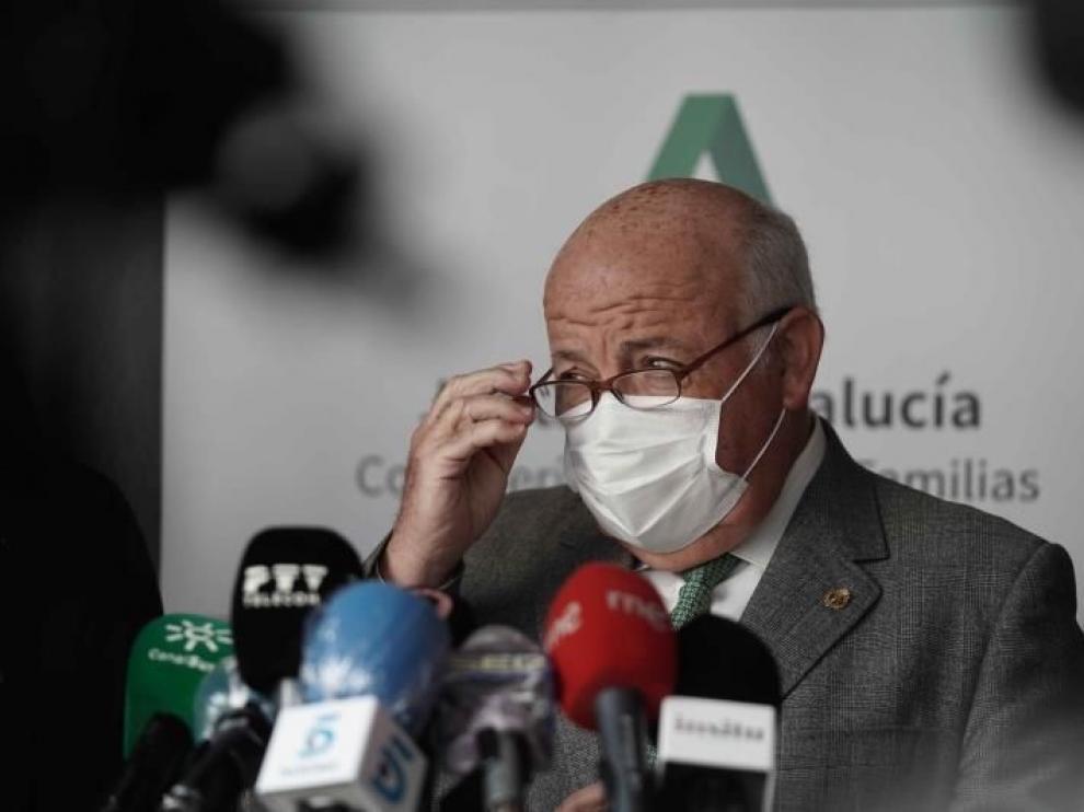 Confirman 16 casos de covid de la cepa británica en Andalucía