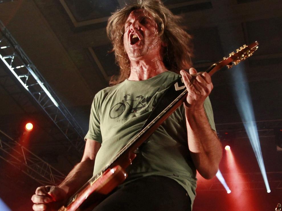 """Muere el músico """"Boni"""", guitarrista y cantante de la banda Barricada"""