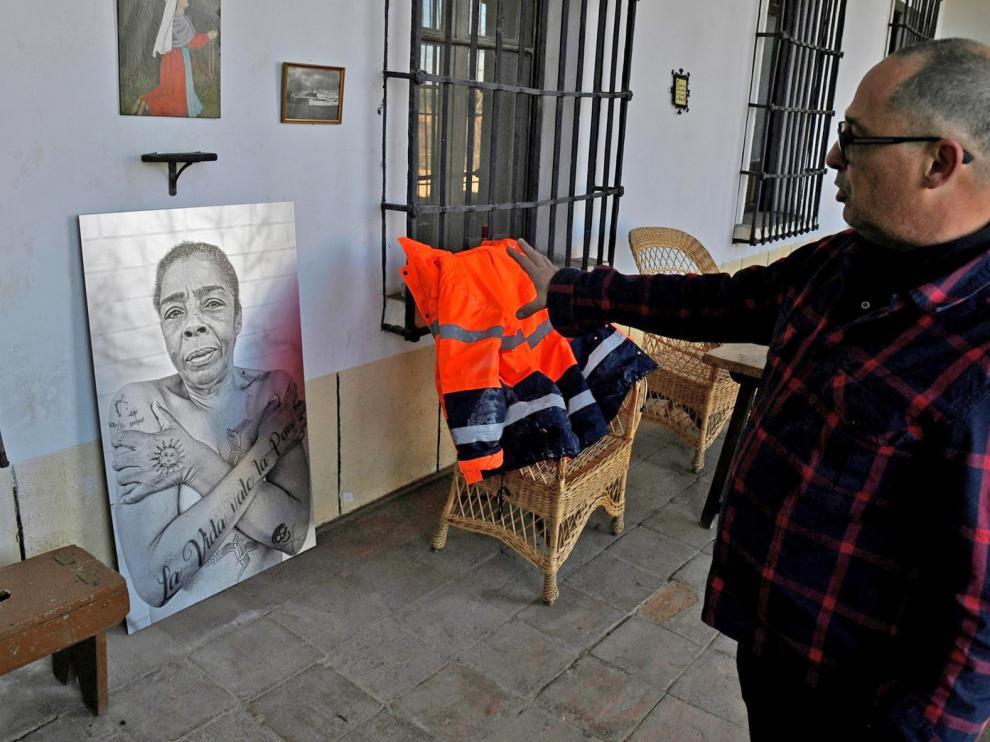 Personas sin hogar y artistas dan vida a un monasterio deshabitado en Madrid