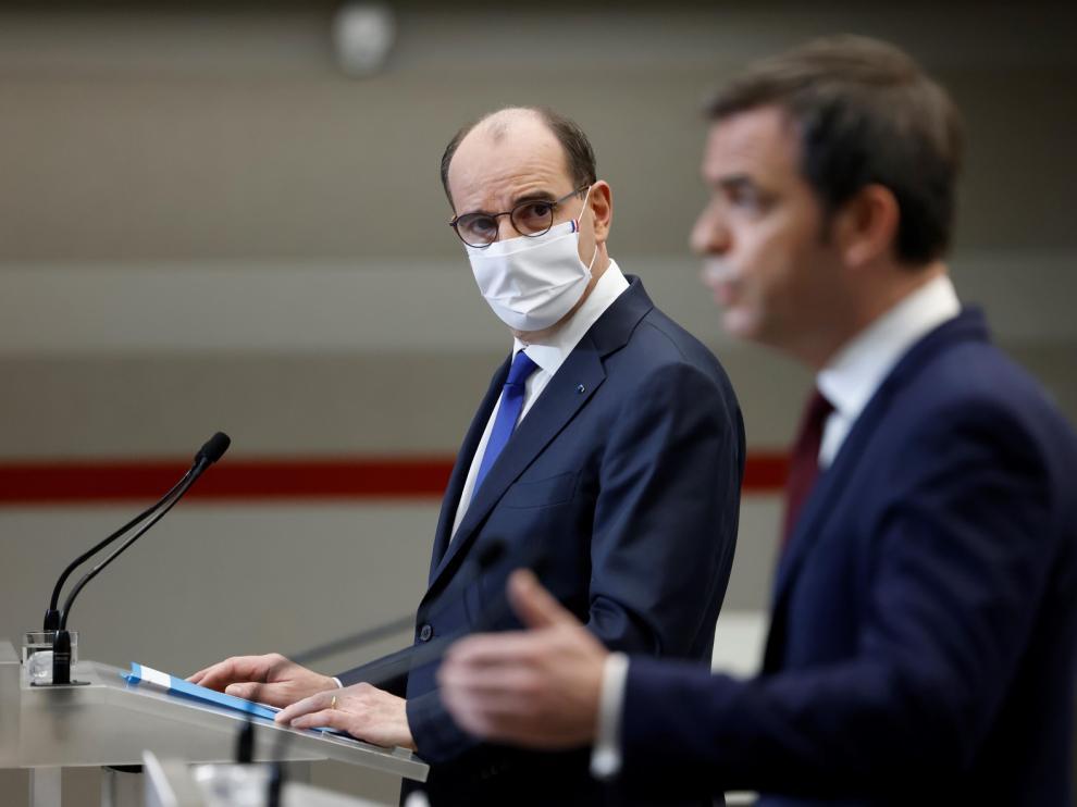 Francia endurece el toque de queda y las entradas al país