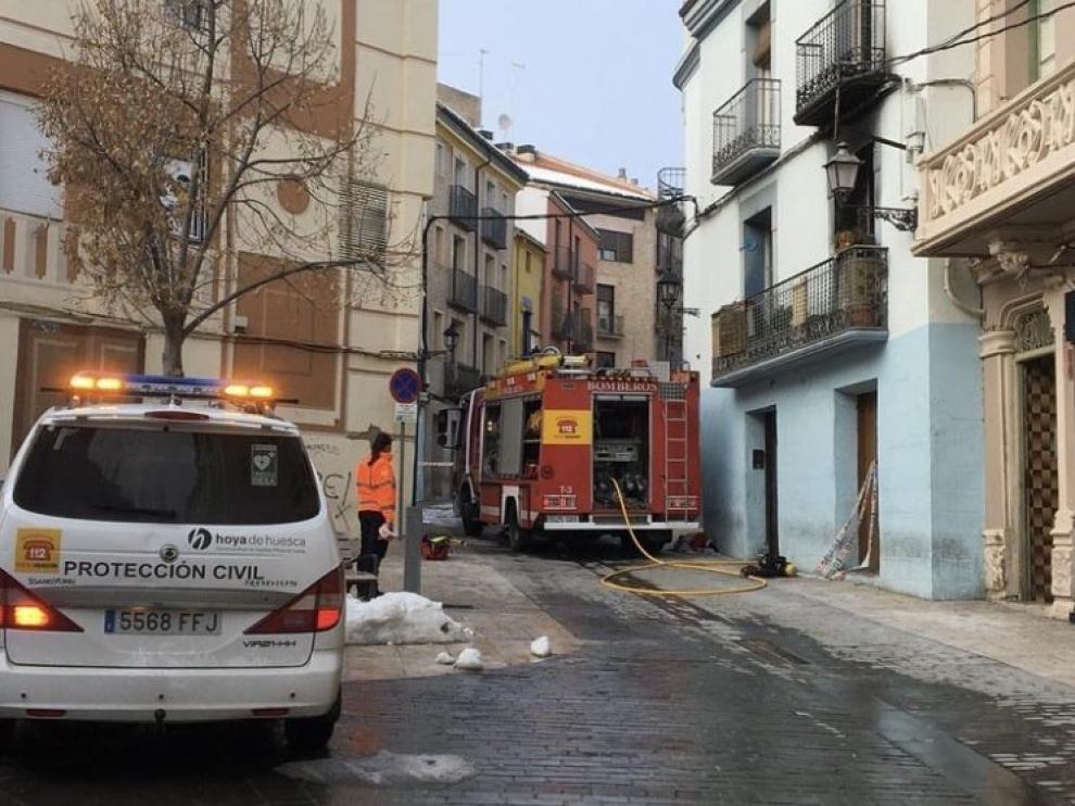 Los bomberos vuelven a intervenir en la casa de travesía Mozárabes de Huesca que sufrió un incendio