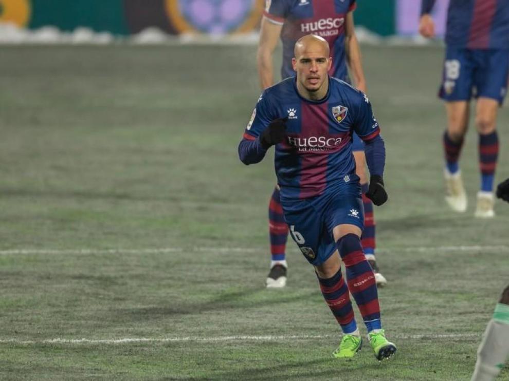 El Huesca confirma los problemas de Sandro y Mosquera