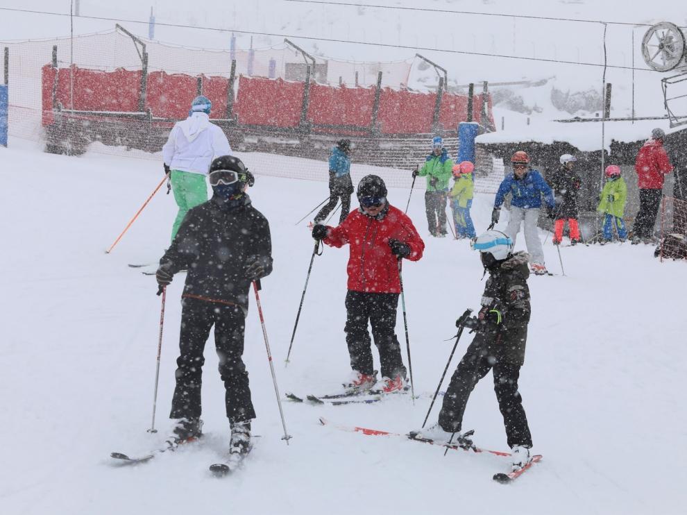 Jaca aprueba una moción de apoyo al turismo ligado al sector de la nieve