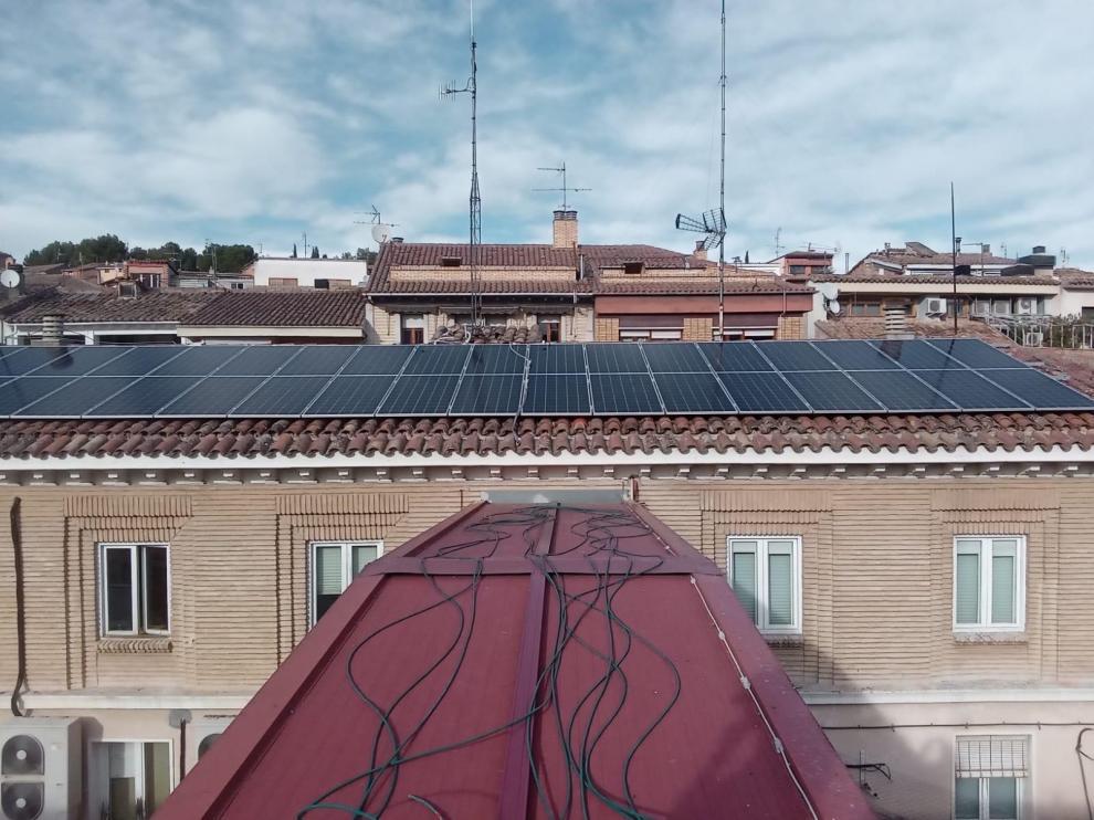 La Comarca de Somontano pone en funcionamiento 54 placas solares en su sede