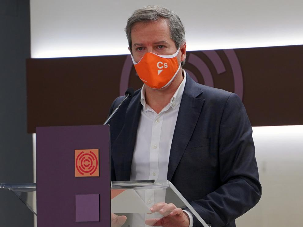"""Pérez Calvo: """"No se puede penalizar a Aragón por vacunar desde la sensatez en vez de hacerlo a la carrera"""""""
