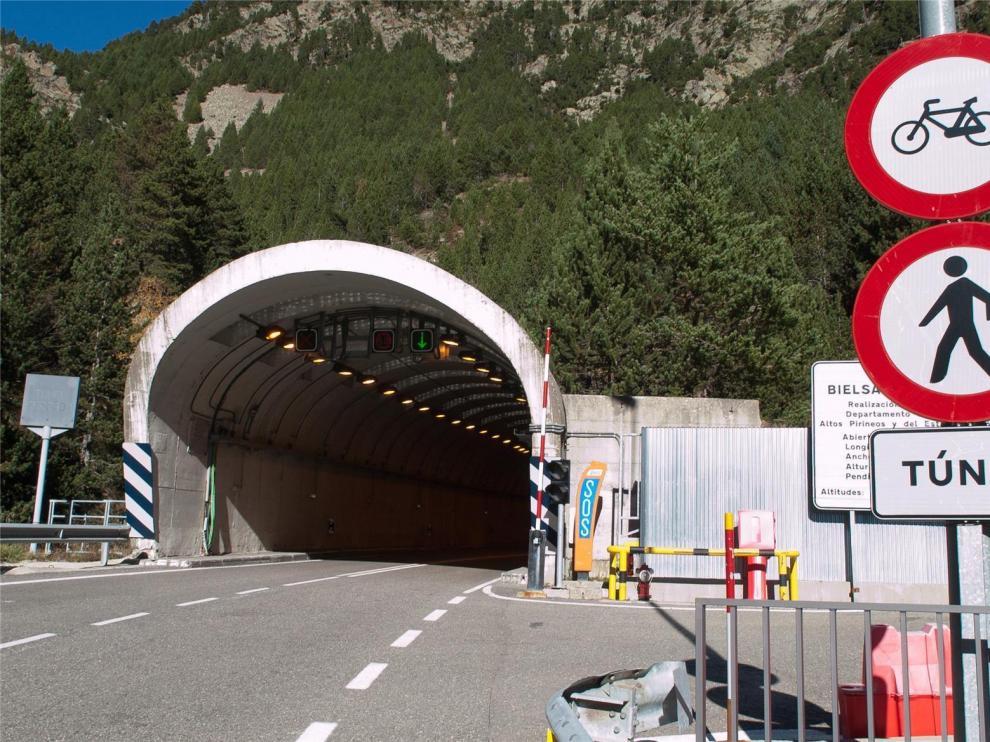 El túnel de Bielsa realiza cierres nocturnos por la amenaza terrorista francesa