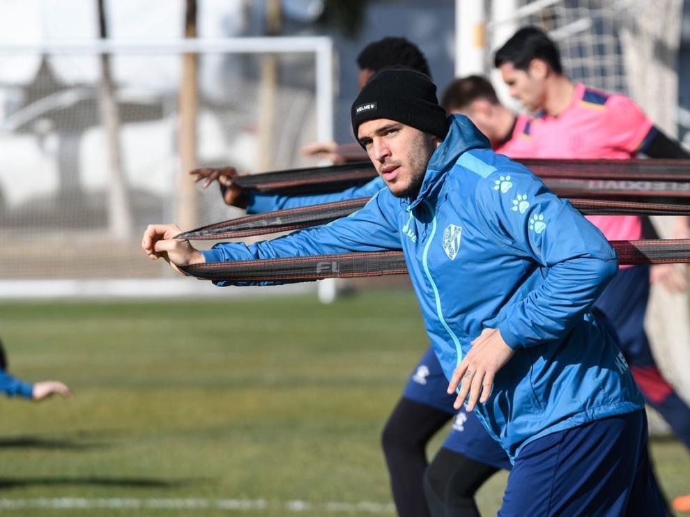 El Huesca se ejercita con Andrés Fernández y Sandro
