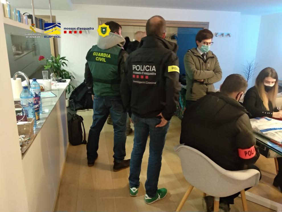 """Detenidos seis individuos en Andorra por supuesta estafa por """"Trading"""""""