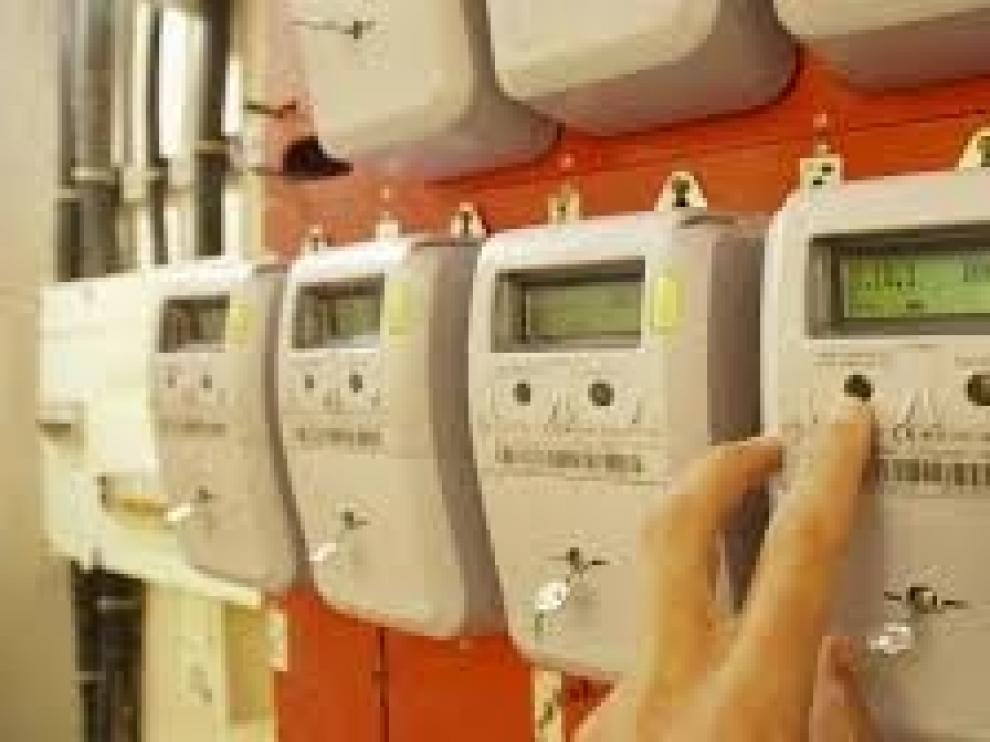 El mes de enero acaba con el derrumbe del precio de la electricidad