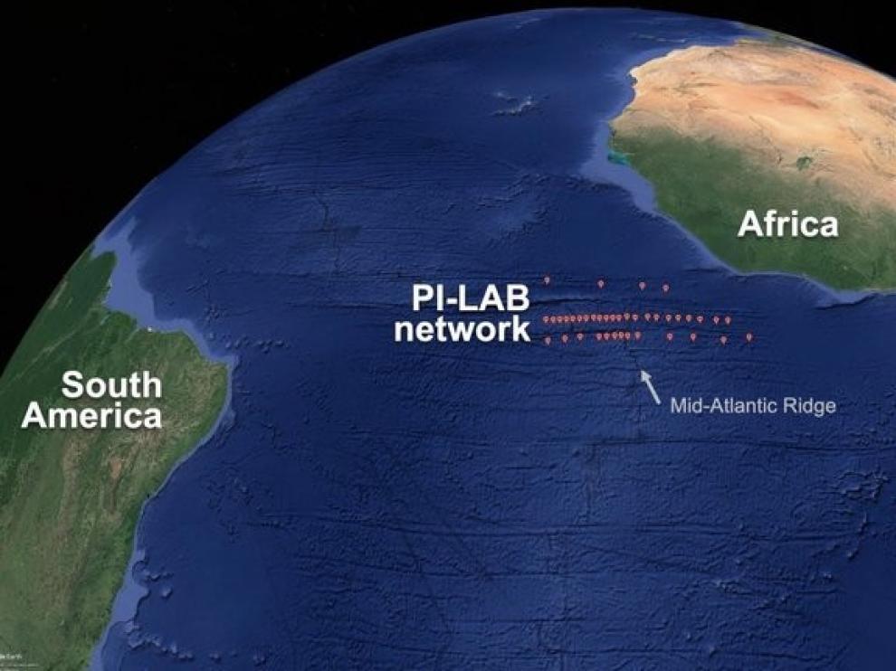 Un fenómeno geológico está alejando las Américas de Europa y África