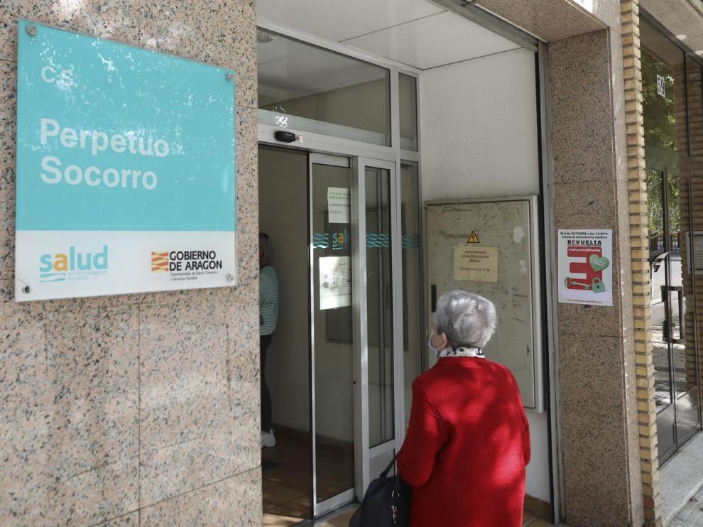 Descienden a 16 los nuevos contagios de covid en la provincia de Huesca pero se suma un fallecido
