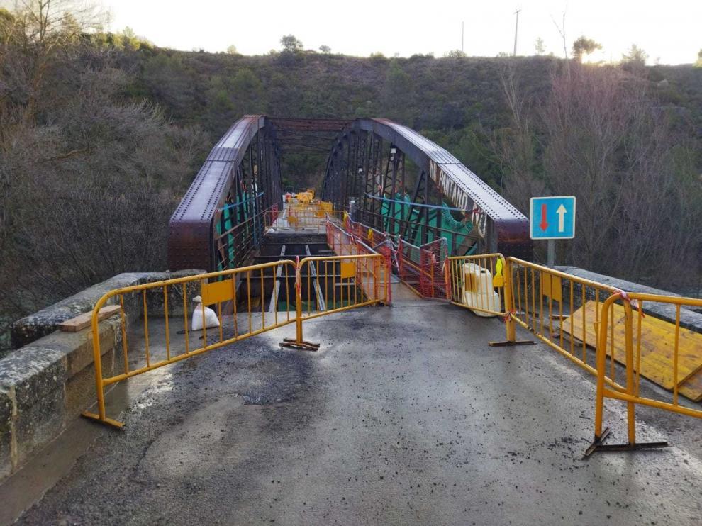 El puente de Santa Eulalia de Gállego se reabrirá al tráfico a finales de la próxima semana