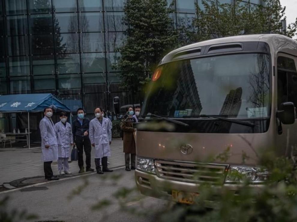 OMS entrevista a los primeros pacientes de covid en Wuhan