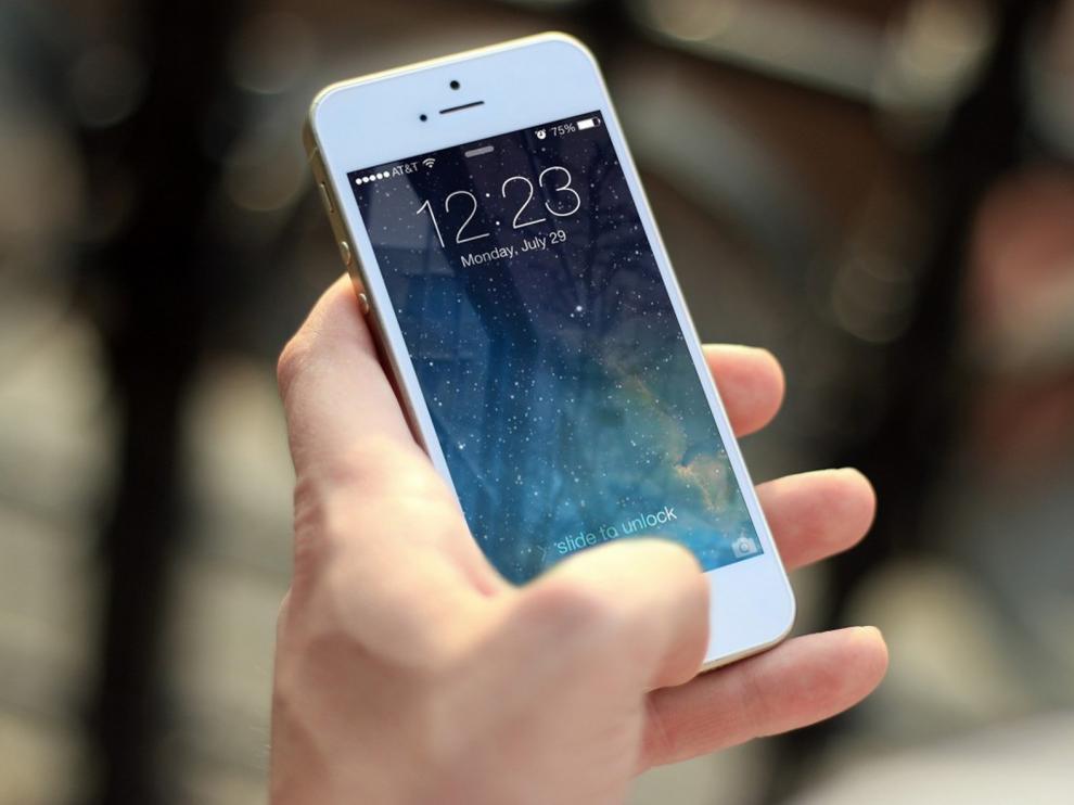 Una oscense reclama por el cobro de servicios de telefonía de los que se había dado de baja