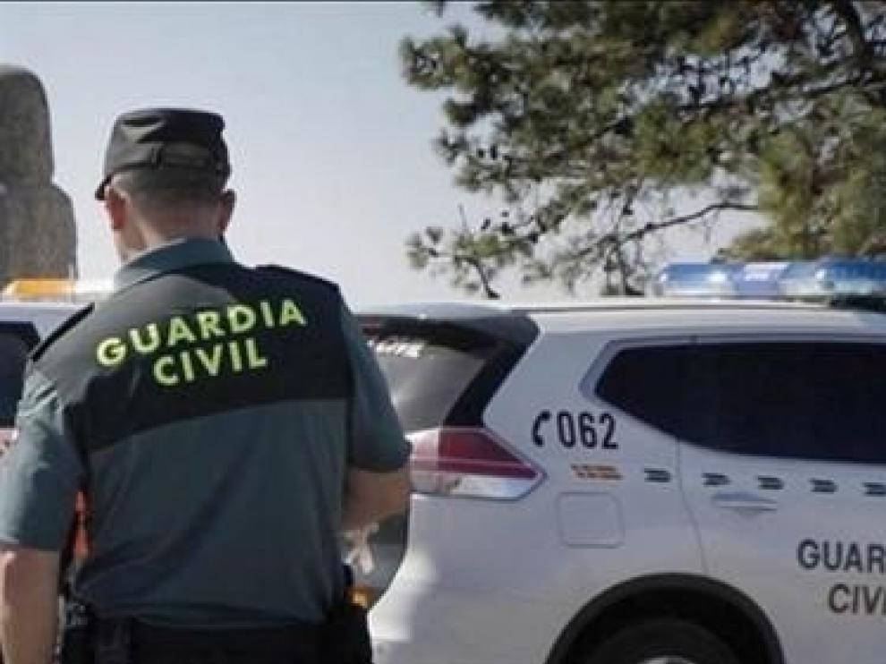 Detenido un joven de 21 años por intento de robo en máquinas expendedoras en Binéfar