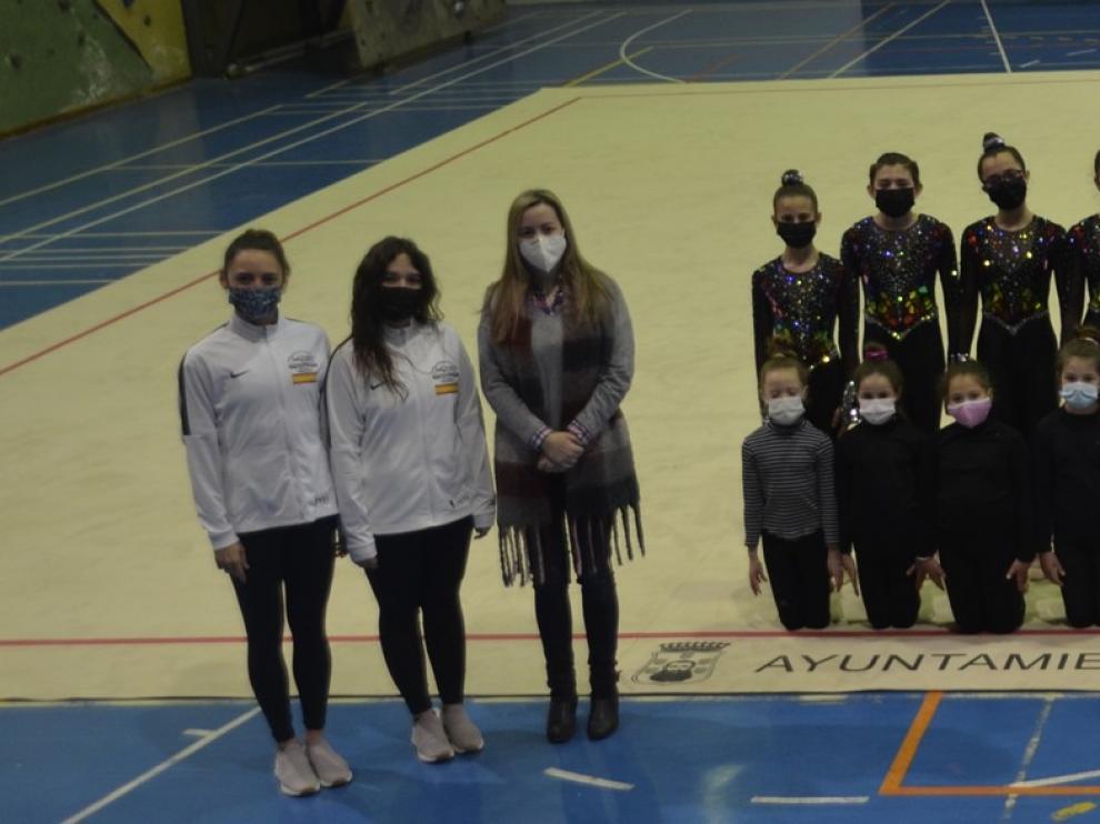 El Pabellón Ángel Orús de Barbastro estrena un nuevo tapiz de gimnasia
