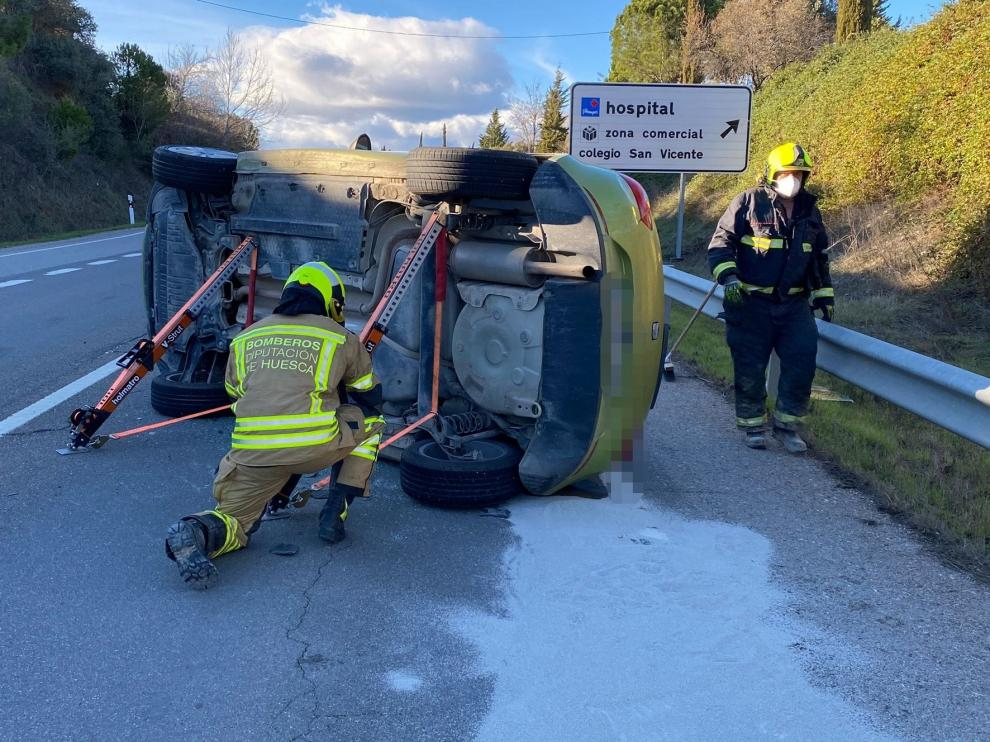 Herida leve una mujer en un accidente en la N-240 a su paso por Barbastro