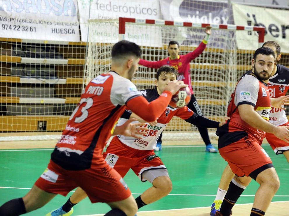 Bada se juega el tercer puesto de la primera vuelta con el Ademar León