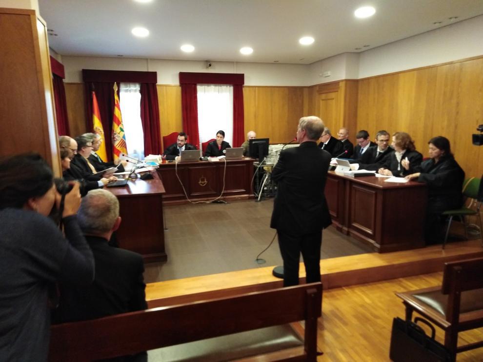 El obispo de Lérida acepta el traslado de las 111 obras de arte de las parroquias aragonesas