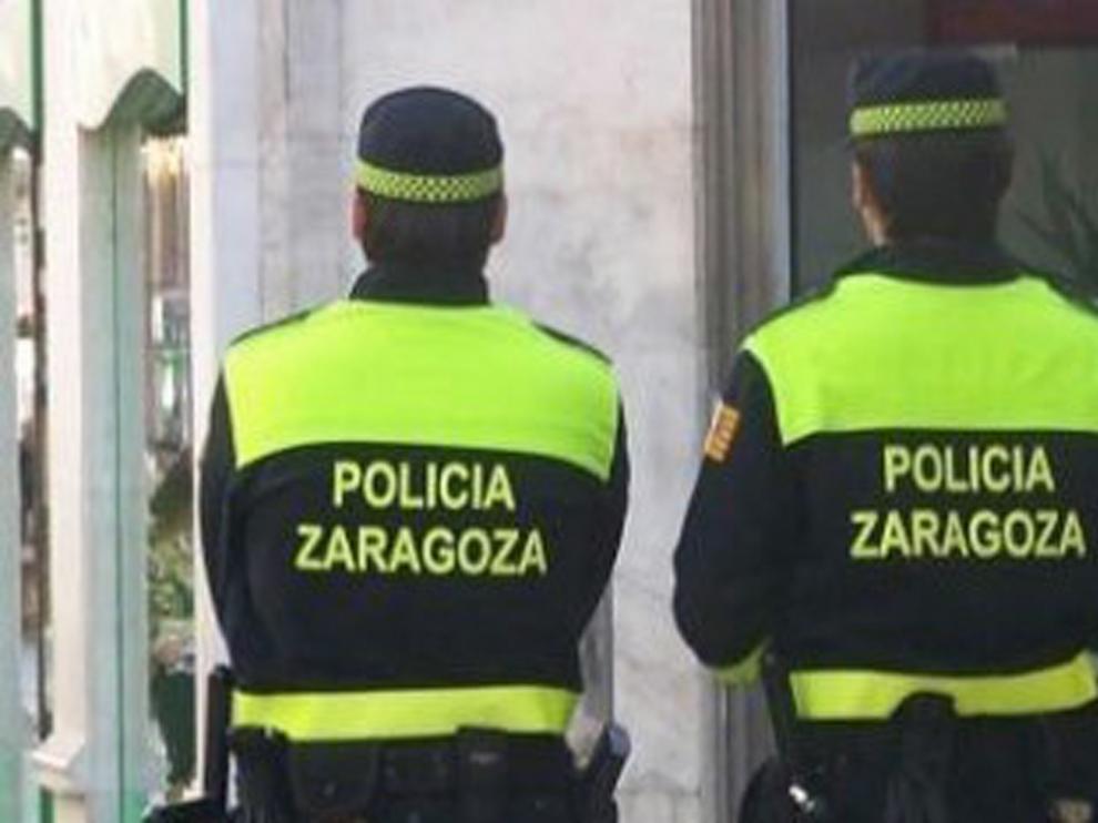 Un detenido por amenazar a su cónyuge y a su hijo con un martillo en el domicilio familiar de Zaragoza