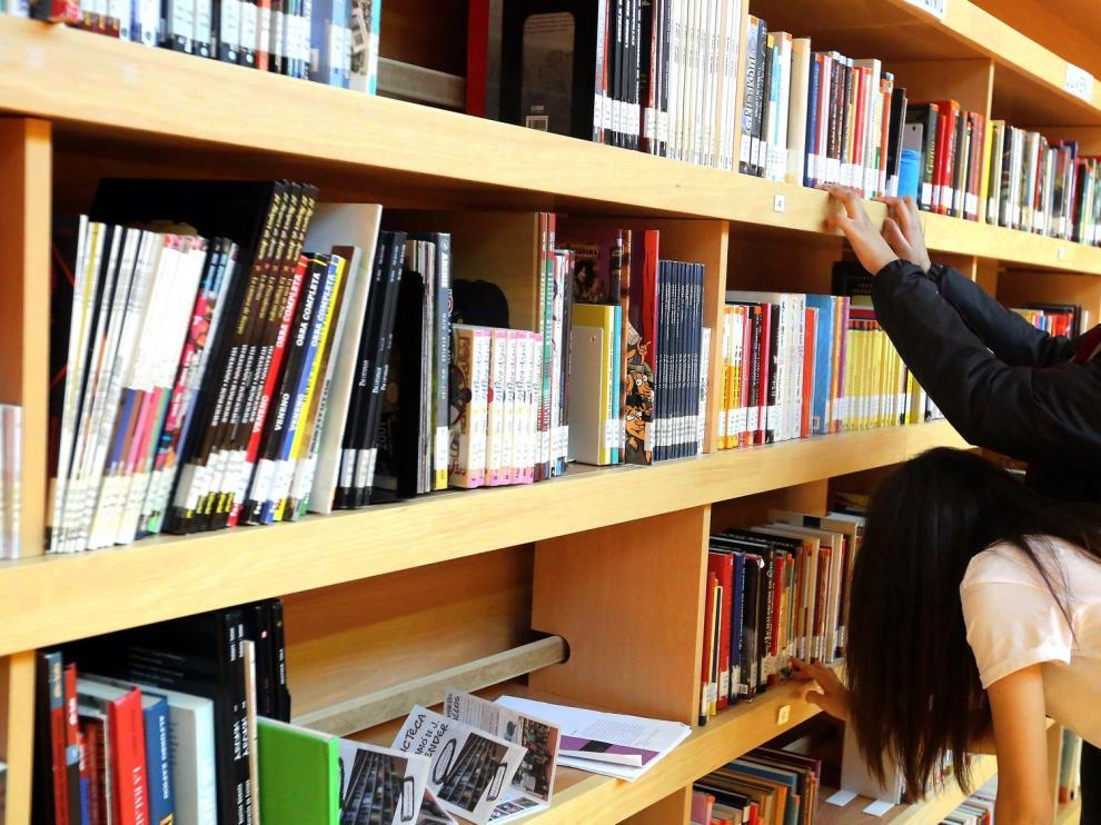 La biblioteca Ramón J. Sender de Huesca celebra su 18 aniversario