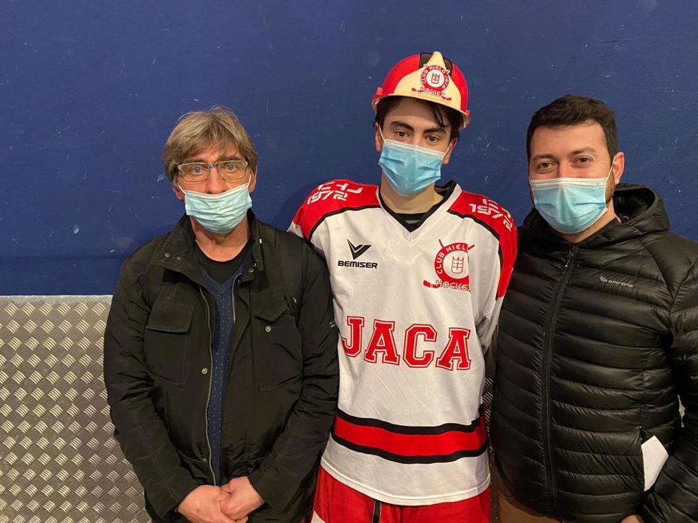 El Club Hielo Jaca gana al Txuri Urdin en San Sebastián (1-3)
