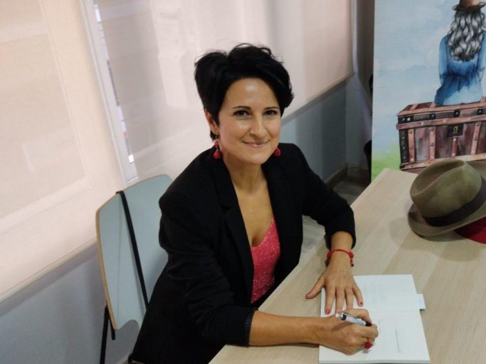"""Mamen Pueyo Bergua: """"Lo que no contamos forma una biblioteca de historias en la cabeza"""""""
