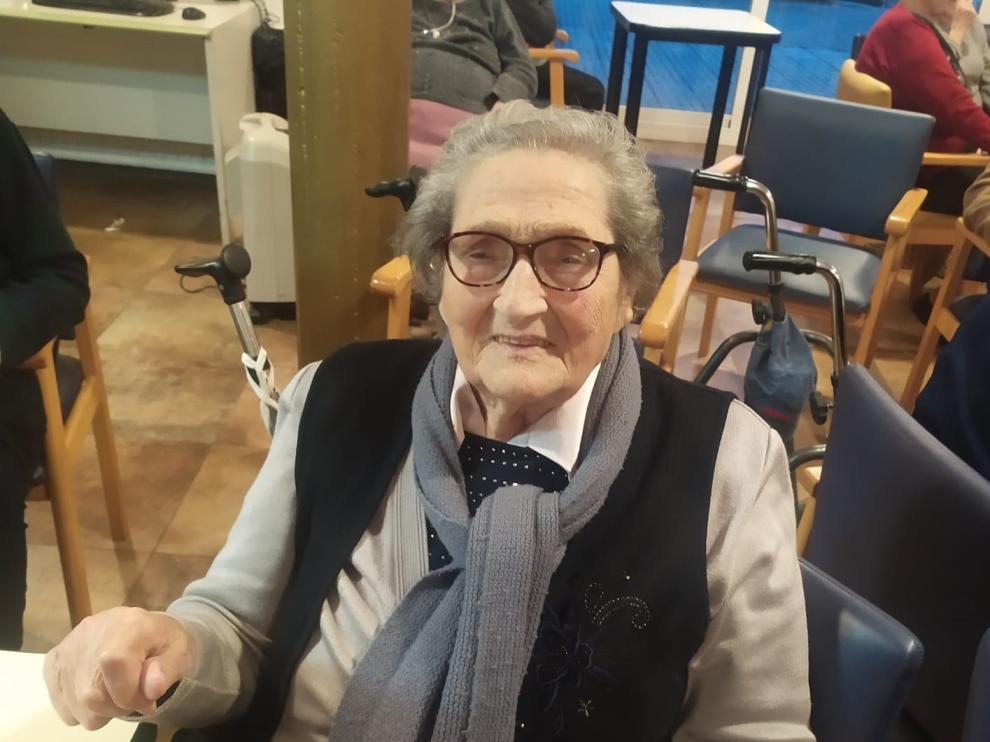 """Mercedes Badía cumple cien años en Benabarre, """"el día más feliz"""" de su vida"""
