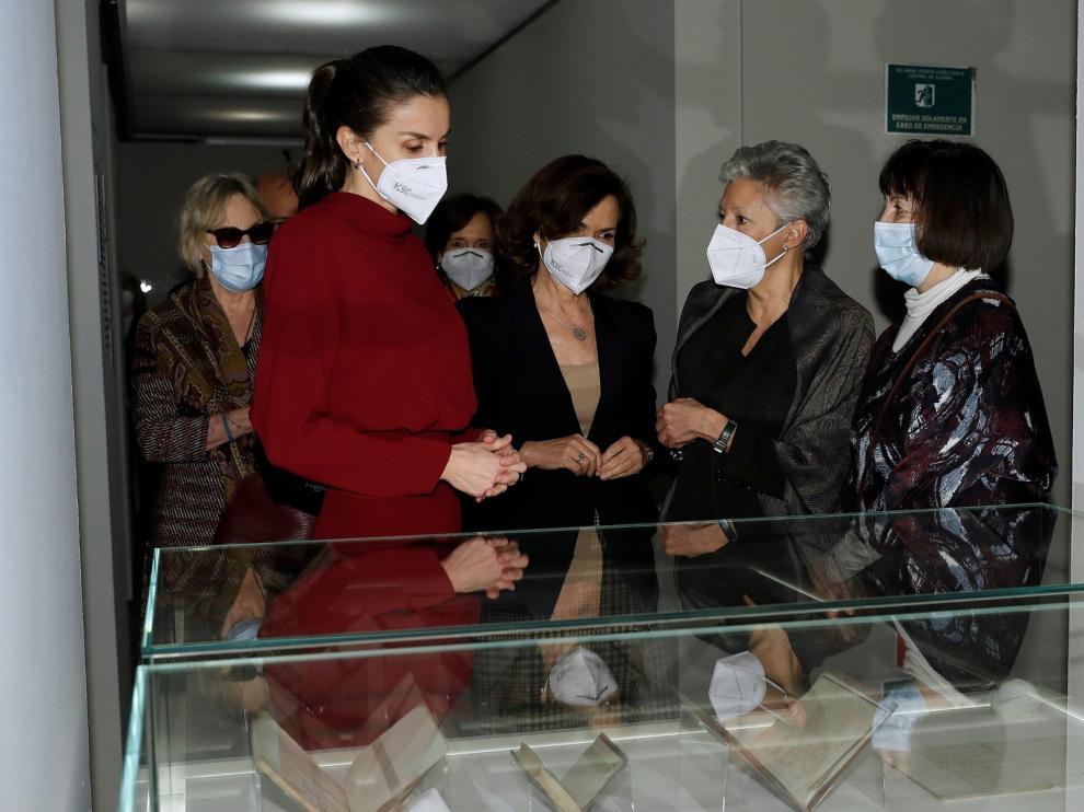 La reina Letizia visita la exposición homenaje a Concepción Arenal
