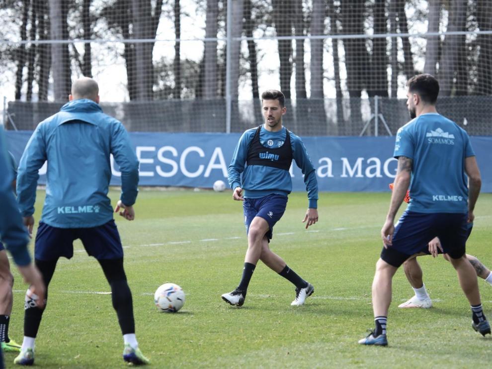 Sandro evoluciona bien y vuelve a entrenar con el grupo en el Huesca