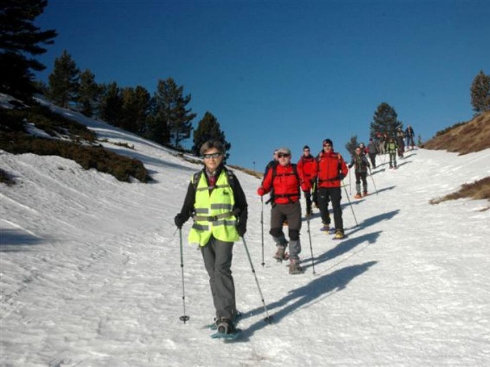 El Día del Raquetista se celebra con un taller de seguridad en nieve