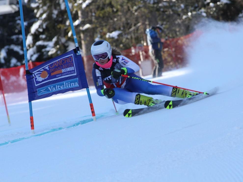 La esquiadora oscense Celia Abad acaba segunda en una carrera en Italia
