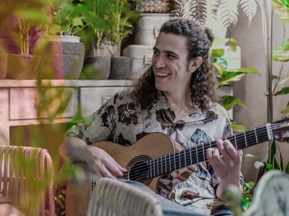 """Las pegadizas melodías de Mr. Kilombo y sus """"cortocircuitos"""" suenan en Monzón"""