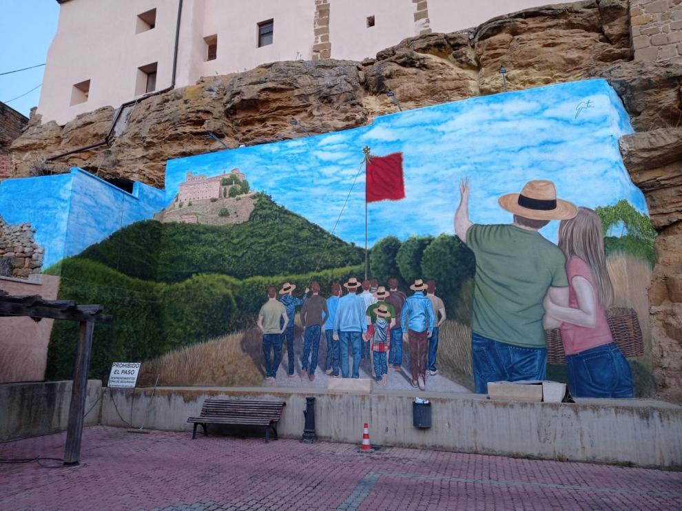 Antillón estrena un gran mural de David Gatta dedicado a la romería al monasterio de El Pueyo