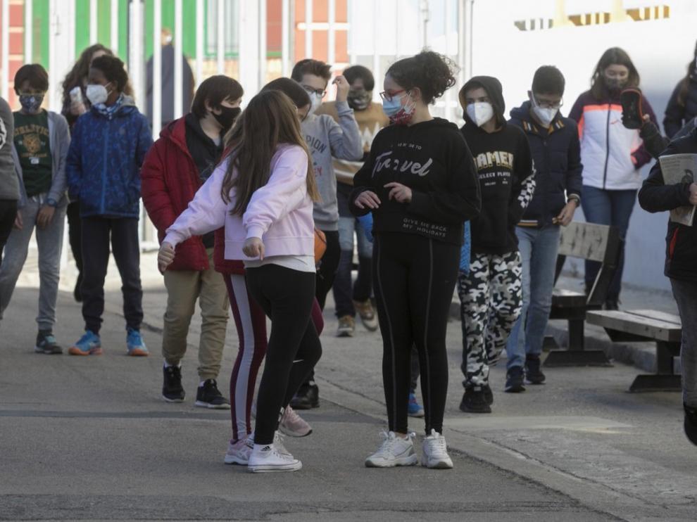 """Los docentes aragoneses dicen estar """"desprotegidos"""" en las clases presenciales"""