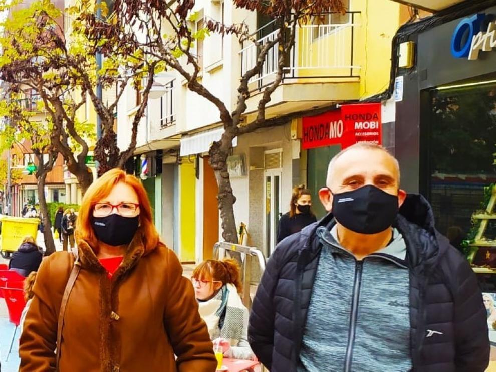 """Las mascarillas Chapurriau """"lo petan"""" en el Día de la Lengua Materna"""