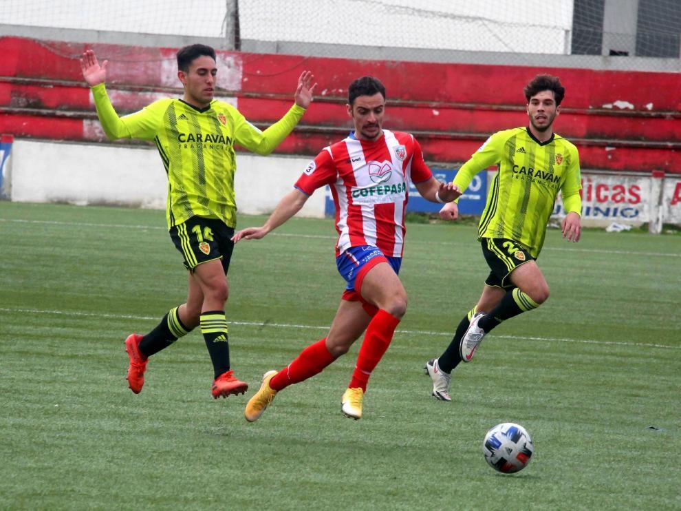 El Atlético Monzón resiste ante el filial zaragocista